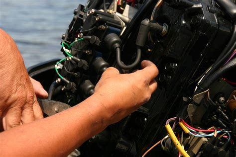 Outboard Motor Repair Joliet Il by Boat Repairs Boatwrench