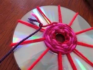 Mit Cds Basteln : ein bisschen haushalt basteln mit cds weben kita pinterest basteln mit cds basteln ~ Frokenaadalensverden.com Haus und Dekorationen