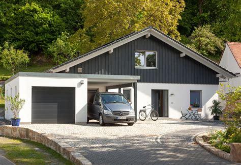 Moderner Bungalow Mit Garage by Bungalow Mit Satteldach Schw 246 Rerhaus