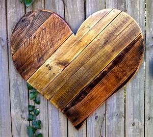 Rustic reclaimed large wood heart wall hanging by almaboheme