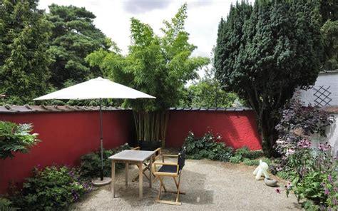 mur de la terrasse peint en rouge mon futur jardin