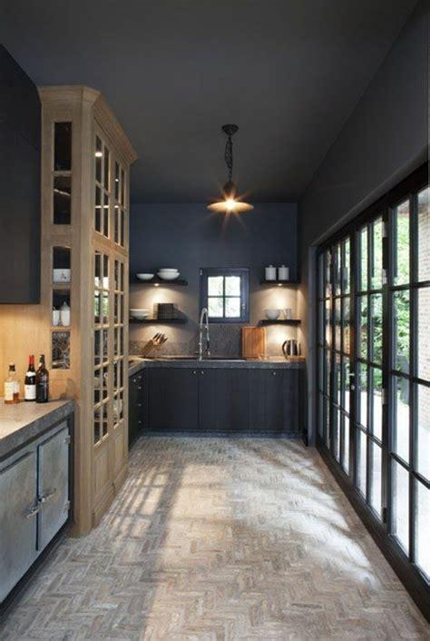 quel parquet pour une cuisine le gris anthracite en 45 photos d 39 intérieur