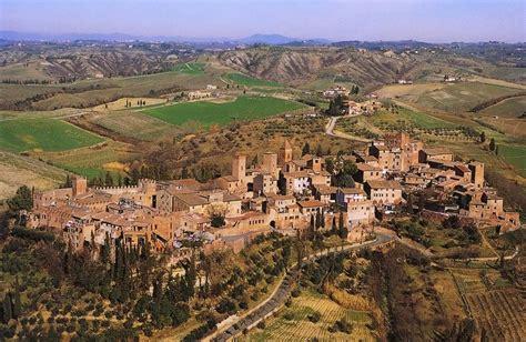discover certaldo hometown  messer boccaccio italy
