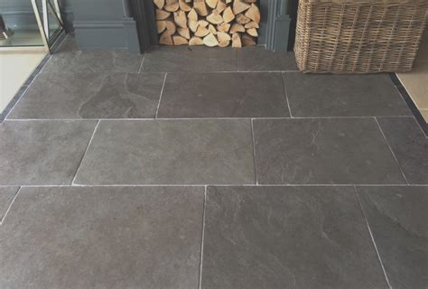 Kitchen Floor Flagstone Tiles by Rustic And Warm Ashton Grey Limestone Flagstones Are