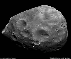 Phobos PICTURES: Stunning Close Up Of Martian Moon | HuffPost