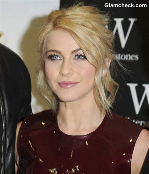 julianne hough steals  show  mouth watering burgundy gown
