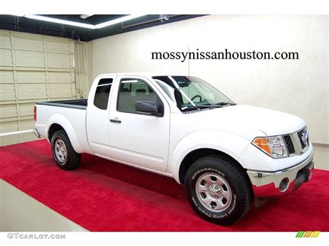 nissan 2008 white 2008 avalanche white nissan frontier xe king cab 2086220