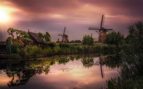 windmills  kinderdijk   province  south holland