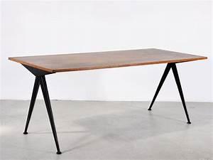 Table Jean Prouvé : prouv jean furniture design 1920 1930 the red list ~ Melissatoandfro.com Idées de Décoration
