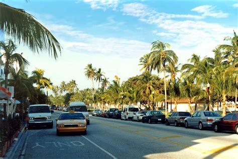 ocean drive south beach  world famous ocean drive
