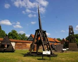 orchestra siege social exhibition of siege engines sightseeing malbork