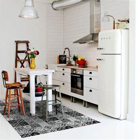 tapis cuisine noir tapis carreaux de ciments noir 130x90cm toodoo tapis