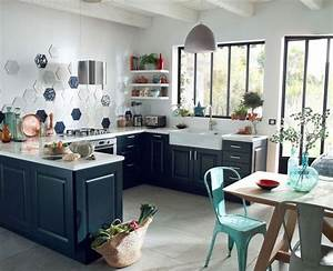 deco cuisine campagne cote maison With idee deco cuisine avec fauteuil en bois