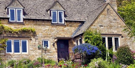Cotswolds Cottage by Manor Cottages Self Catering