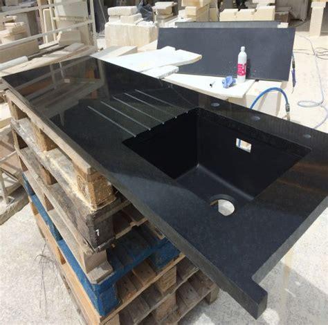 pose d un plan de travail cuisine fourniture et pose d un plan de travail de cuisine en granit noir du 224 aix en provence
