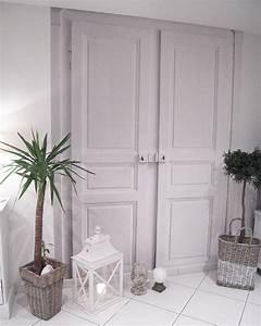 Fausse Porte De Placard : ceci est une fausse porte le papier peint trompe l 39 oeil ~ Zukunftsfamilie.com Idées de Décoration