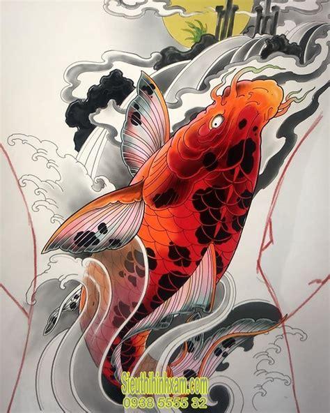 .cá chép hóa rồng là hình xăm đầy cảm hứng được người thợ săm thể hiện đa dạng về mẫu vẽ nhưng cái chung của hình xăm cá chép hóa rồng vẫn là sự oai linh, ấn tượng và đầy sức sống. 350+ Những hình xăm cá chép đẹp nhất - Tattoo Cá Chép | Hình xăm, Cá chép, Ý tưởng hình xăm