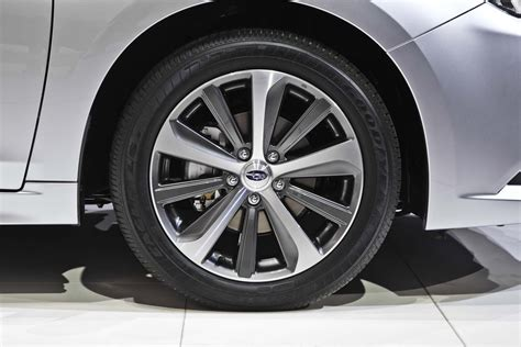 2015 Subaru Legacy Wheels Photo 8