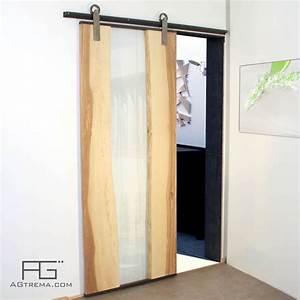 Porte coulissante genus en bois live edge verre et acier for Porte coulissante bois et verre
