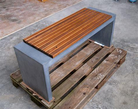 betonbank mit holzauflage betonbank mit holzauflage b nke und tische aus sichtbeton anthrazit betongrau uvm tischlerei