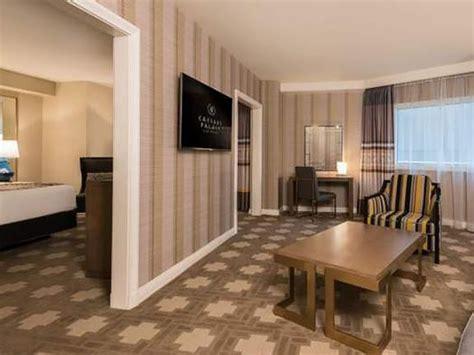 julius deluxe room  queens magellan luxury hotels