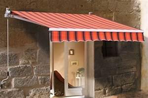 mit einer markise kosten sie ihren balkon auch im herbst aus With markise balkon mit tapeten landhausstil gestreift