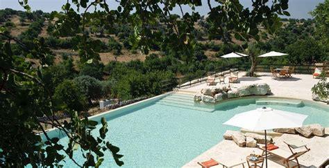 vergeet ibiza   reizen  massaal naar alicante malta en sicilie