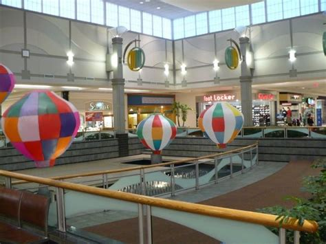 olive garden westminster co westminster mall balloons in center of the mall