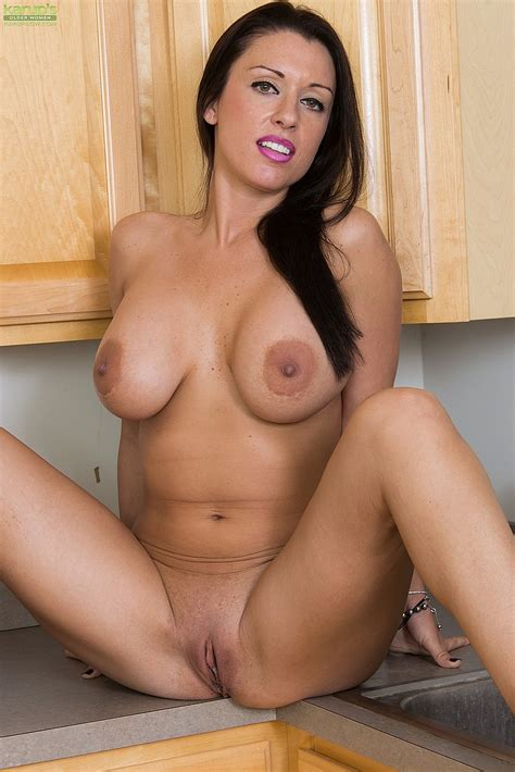 J Love Strip Naked In The Kitchen Milf Fox