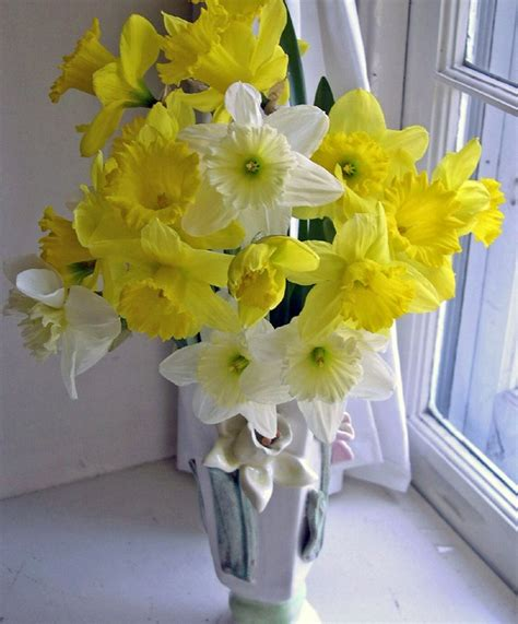 wedding flowers  wedding anniversary flowers