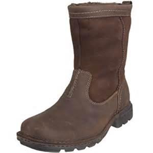 ugg hartsville sale ugg australia 39 s hartsville waterproof boots seal 7 us amazon com