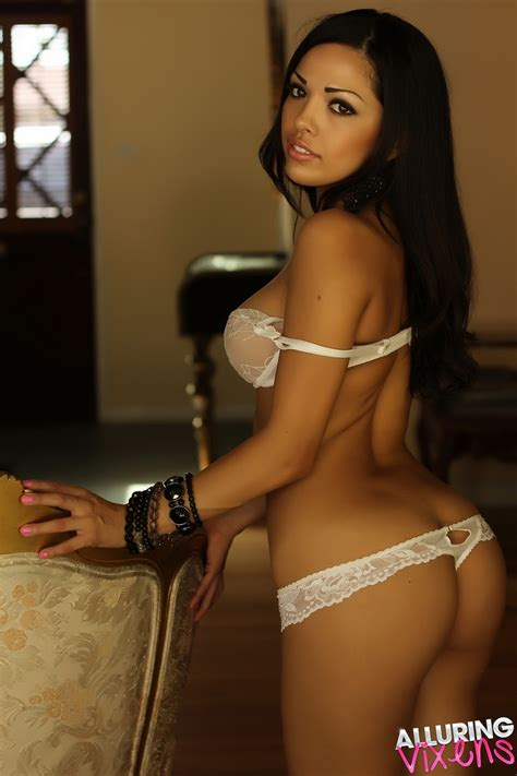 Alluring Vixens Latina Babe