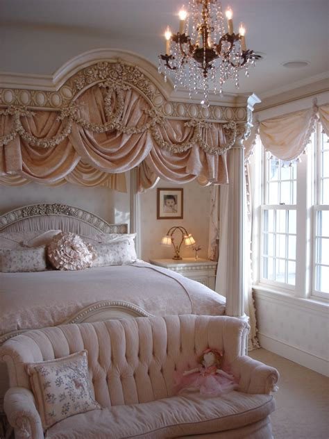 girls guide    decorate  perfect girly bedroom