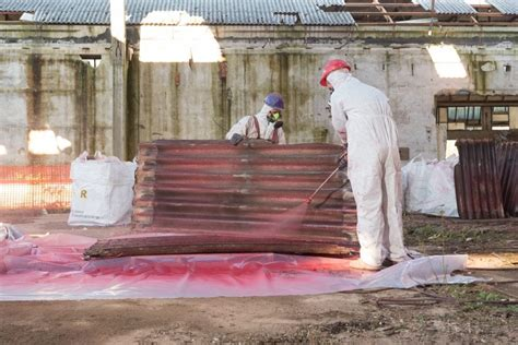 contractor prosecuted  uncontrolled asbestos removal