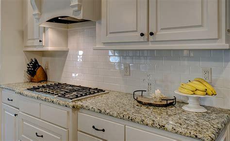 Backsplash Install : Kitchen Backsplash Installation