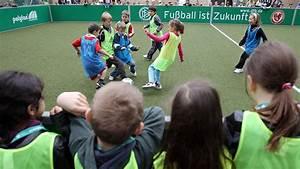 ältester Deutscher Fußballverein : minispielfelder sportst tten gesellschaftliche verantwortung projekte programme ~ Frokenaadalensverden.com Haus und Dekorationen