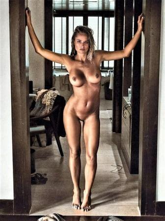 Geneviève Rioux  nackt