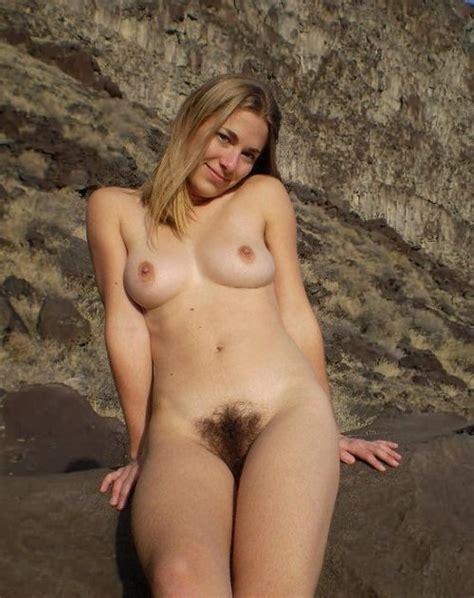 Frau mit großen brüsten