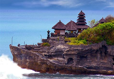 Tanah Lot Temple Pura Tanah Lot (Tanah Lot Temple) is
