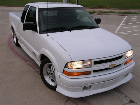 2003 Chevrolet S10 Photos, Informations, Articles