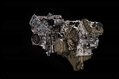 Ducati Stradale V4 Engine Close Look
