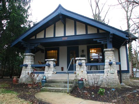 """The Bungalow The """"great American Home"""" Housesandbooks"""