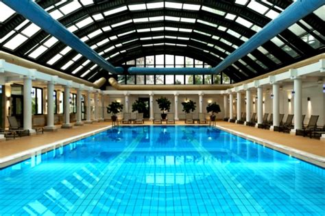 How To Find Hotel Indoor Pool Online For Your Summer