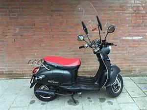 Iva Venti 50 : retro scooter matzwart ~ Blog.minnesotawildstore.com Haus und Dekorationen