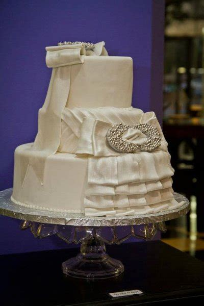 icing   top tulsa  wedding cake
