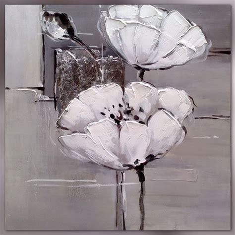cours de cuisine en groupe fleurs blanches sur format carré