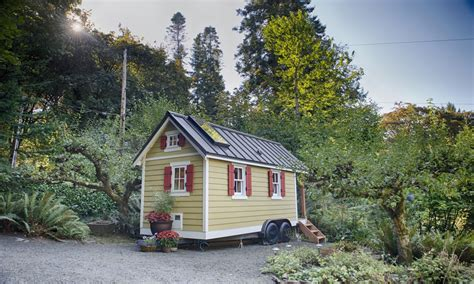small cabins tiny houses bayside bungalow tiny house tiny bungalow design treesranchcom