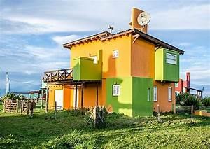 Preiswert Haus Bauen : haus mit wellblechdach ~ Markanthonyermac.com Haus und Dekorationen