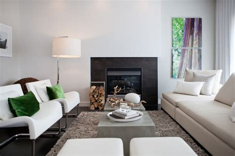 home staging tricks    small living room