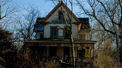 haunted house nanny needed for haunted house pays 64 000